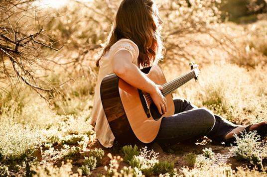 cute-girl-guitar-music-play-sing-Favim.com-67443_large1