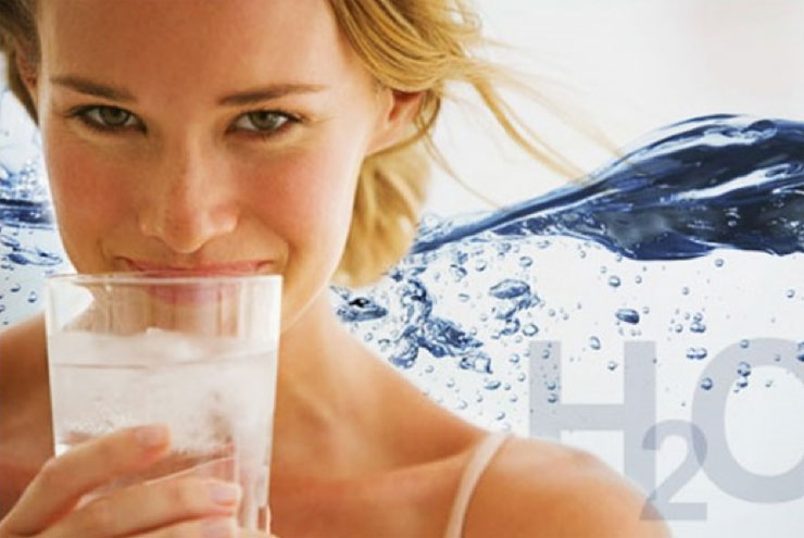 drinking-alkaline-water