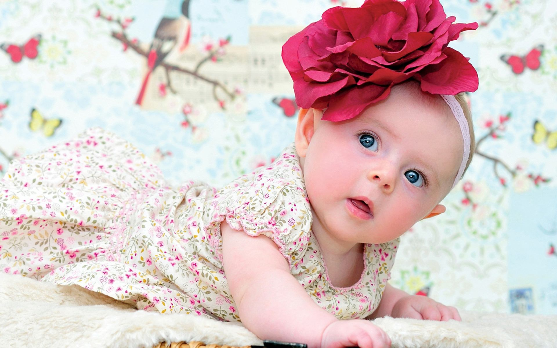 Animated-Baby-Girl-Wallpaper-2