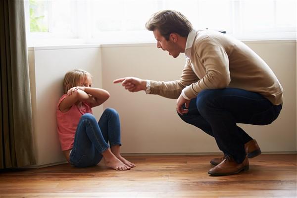 lenient parents vs strict parents