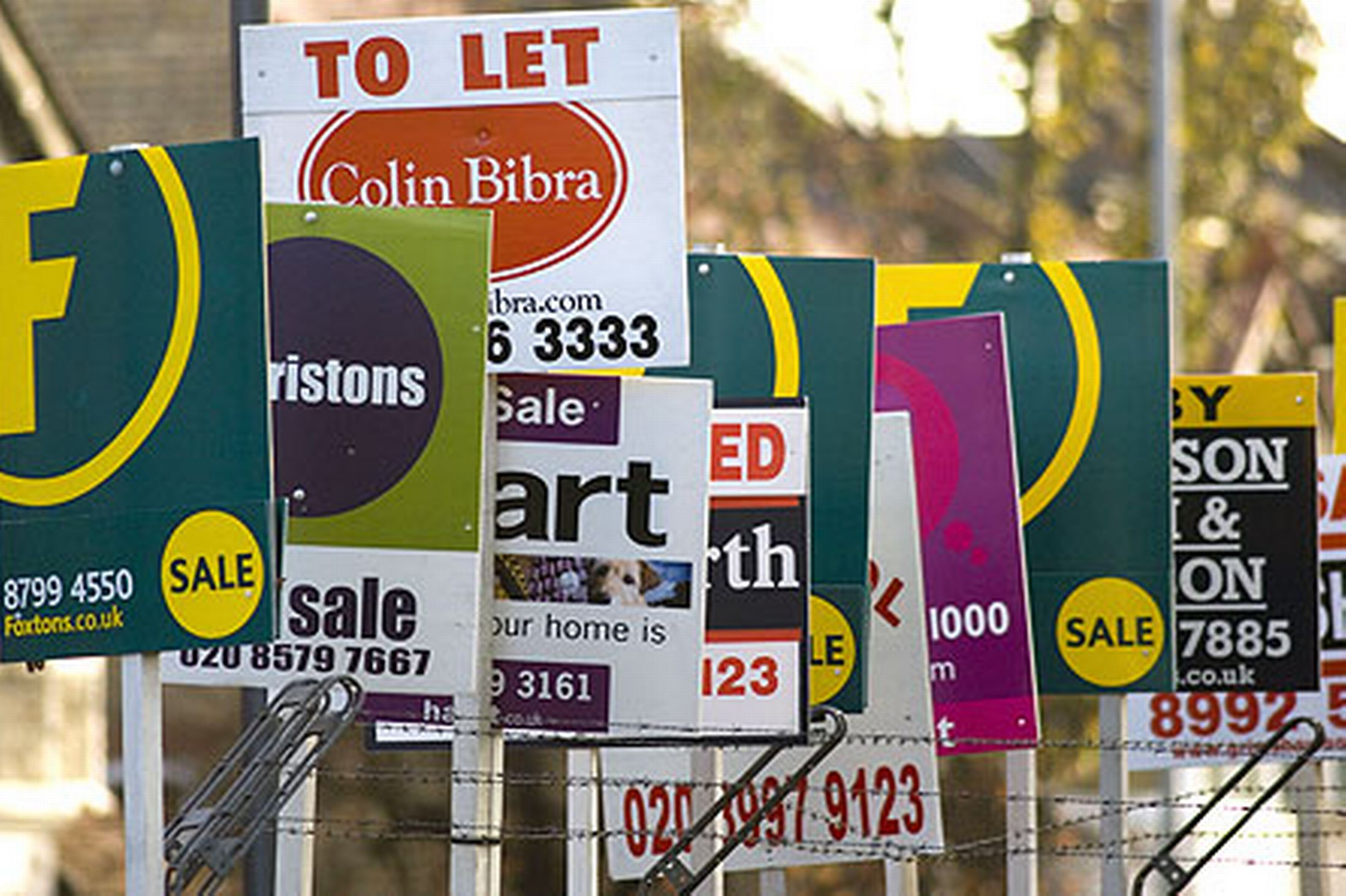 estate-agents-pic-rex-1240863001